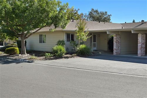 Photo of 402 Twin Lakes Circle, Santa Rosa, CA 95409 (MLS # 22026310)
