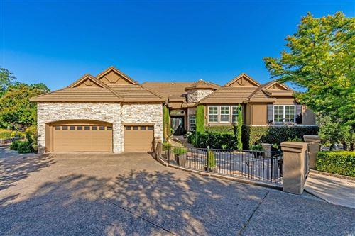 Photo of 1110 Castle Oaks Drive, Napa, CA 94558 (MLS # 321012310)