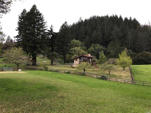 Photo of 2989 Dry Creek West Road, Healdsburg, CA 95448 (MLS # 22025392)