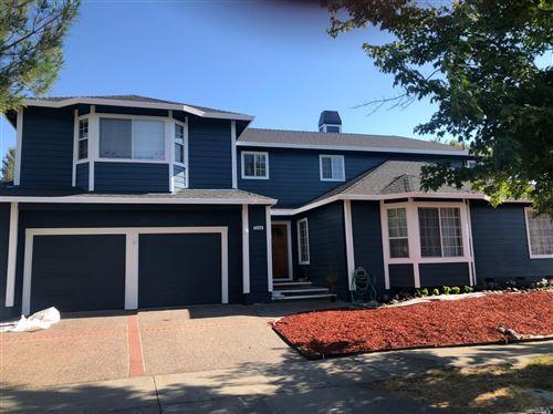 Photo of 1756 Walnut Creek Drive, Santa Rosa, CA 95403 (MLS # 22011397)