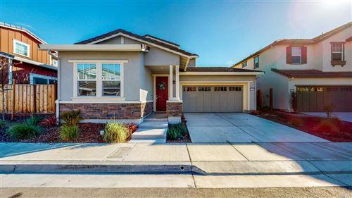 Photo of 1401 Sylvia Way, Petaluma, CA 94954 (MLS # 22030428)