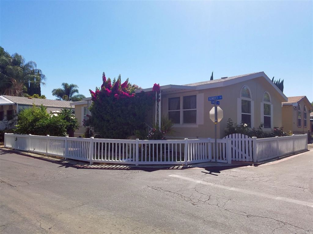 Photo for 95 Sunset Circle, Vacaville, CA 95687 (MLS # 21919444)
