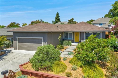 Photo of 235 Pheasant Drive, Healdsburg, CA 95448 (MLS # 22018472)