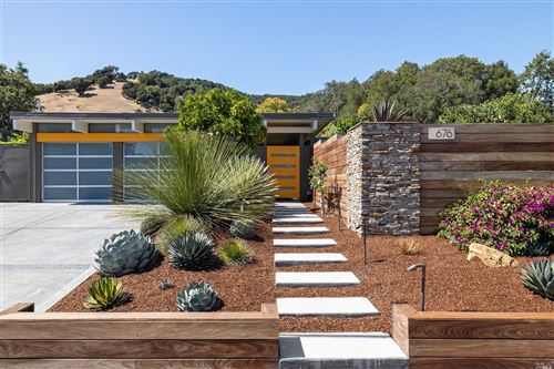Photo of 676 Cedarberry Lane, San Rafael, CA 94903 (MLS # 22017486)