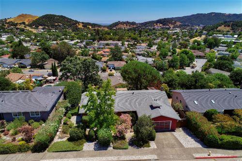 Photo of 530 Montecillo Road, San Rafael, CA 94903 (MLS # 22016536)
