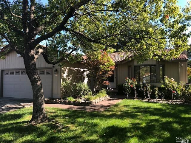 Photo for 208 Almond Way , Healdsburg, CA 95448 (MLS # 21826544)