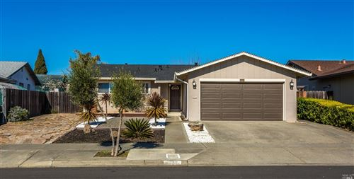 Photo of 207 Patricia Drive, American Canyon, CA 94503 (MLS # 22003555)