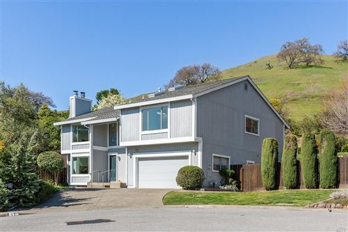 Photo of 17 Santa Victoria Court, Novato, CA 94945 (MLS # 22004569)