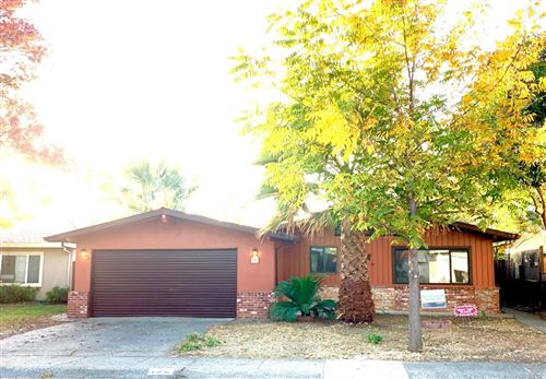 Photo of 158 West North Street, Vacaville, CA 95688 (MLS # 21928595)