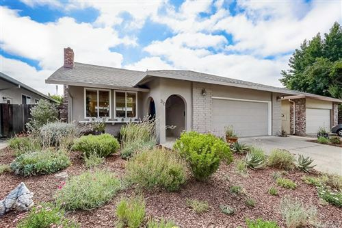 Photo of 210 Sequoia Circle, Healdsburg, CA 95448 (MLS # 22016613)