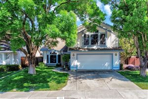 Photo of 423 Shannon Drive, Vacaville, CA 95688 (MLS # 21909628)