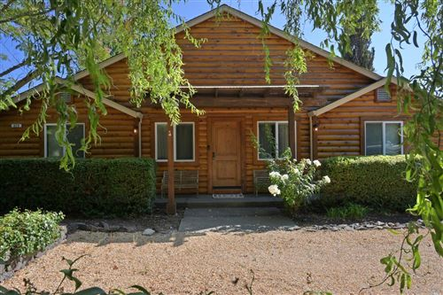 Photo of 620 Dry Creek Road, Healdsburg, CA 95448 (MLS # 22016692)