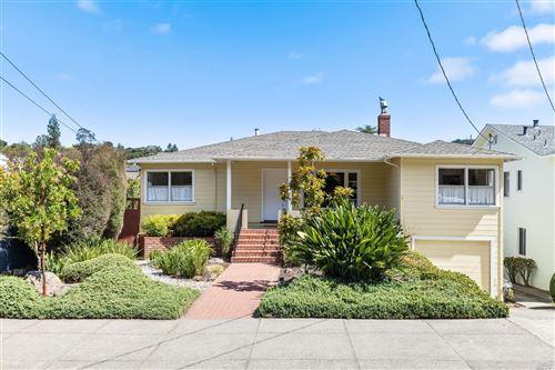 Photo of 242 San Rafael Avenue, San Rafael, CA 94901 (MLS # 22016706)
