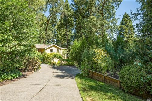 Photo of 1933 Fitch Mountain North Road, Healdsburg, CA 95448 (MLS # 22015716)
