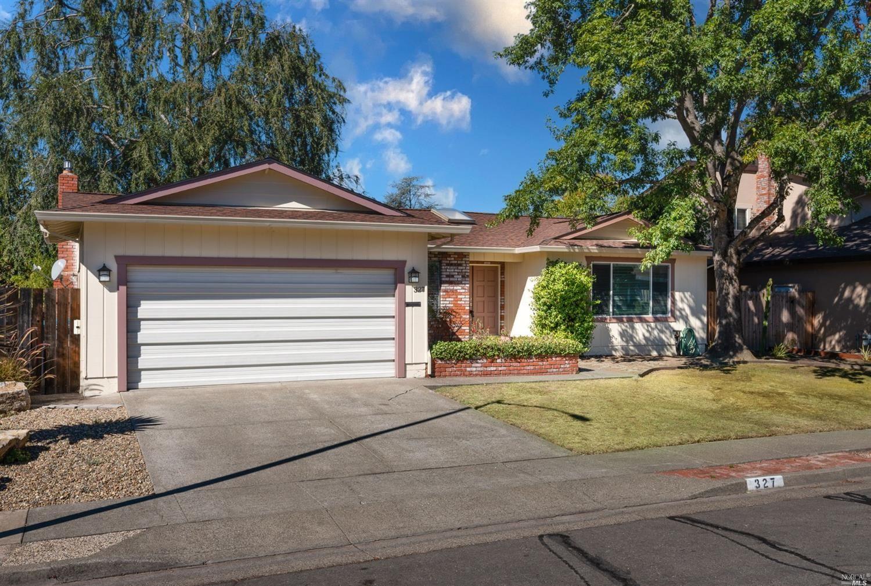 327 Beech Avenue, Santa Rosa, CA 95409 - MLS#: 321092717