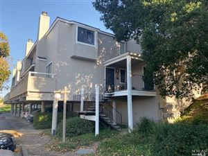 Photo of 17 Lakeview Court, Novato, CA 94947 (MLS # 21926760)