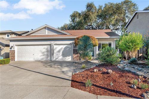 Photo of 511 Buckeye Drive, Windsor, CA 95492 (MLS # 22025793)