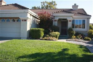Photo of 519 Youngsdale Drive, Vacaville, CA 95687 (MLS # 21924800)