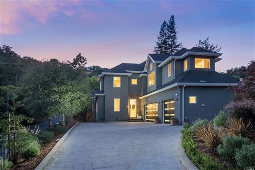 Photo of 30 Oak Knoll Drive, San Anselmo, CA 94960 (MLS # 22009806)