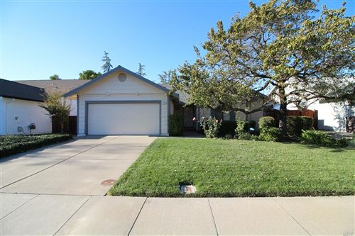 Photo of 196 White Sands Drive, Vacaville, CA 95687 (MLS # 21927807)
