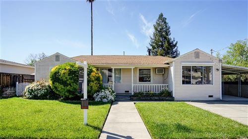 Photo of 238 Sunnyvale Drive, Healdsburg, CA 95448 (MLS # 22008817)