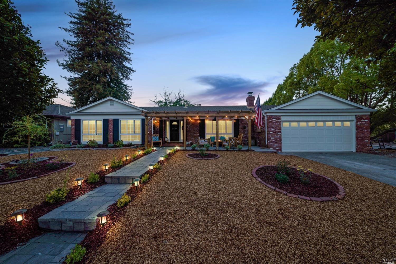 219 La Crosse Avenue, Santa Rosa, CA 95409 - MLS#: 321092823