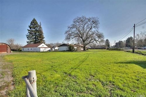 Photo of 851 Brittain Lane, Santa Rosa, CA 95407 (MLS # 21621836)