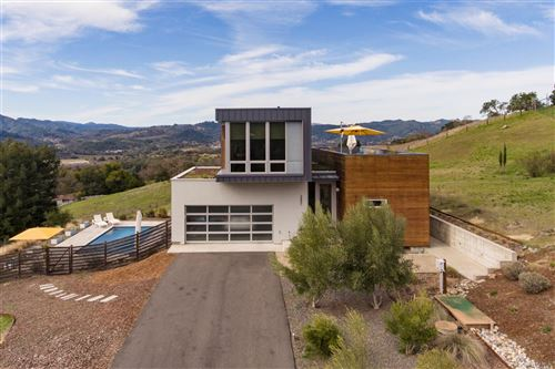 Photo of 26861 Mountain Pine Road, Cloverdale, CA 95425 (MLS # 22002846)
