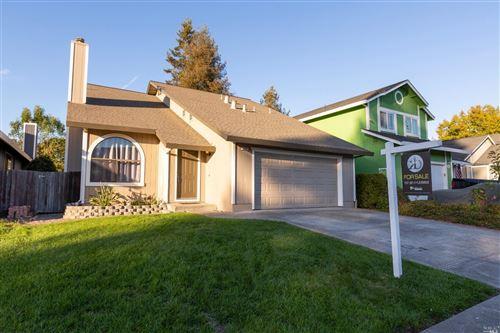 Photo of 1328 Middlebrook Way, Rohnert Park, CA 94928 (MLS # 22025852)