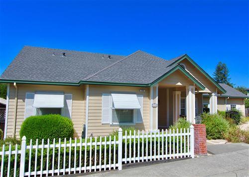 Photo of 114 Parkwoods Court, Healdsburg, CA 95448 (MLS # 22001881)