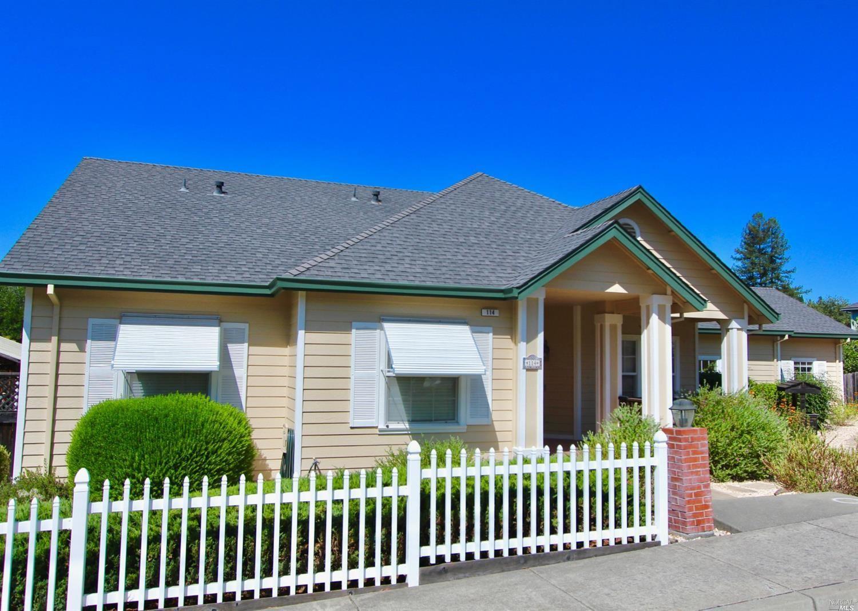 114 Parkwoods Court, Healdsburg, CA 95448 - #: 22001881
