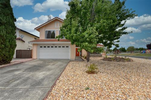 Photo of 240 Bentley Court, American Canyon, CA 94503 (MLS # 22012883)