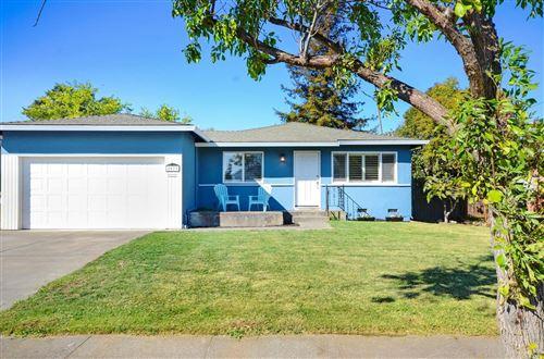 Photo of 2077 Sommer Street, Napa, CA 94559 (MLS # 22024903)