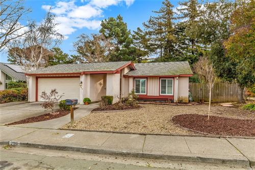 Photo of 254 Panorama Drive, Benicia, CA 94510 (MLS # 22000912)