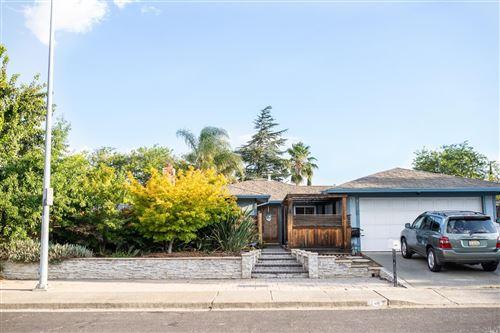 Photo of 416 Hartwick Lane, Fairfield, CA 94533 (MLS # 321072936)