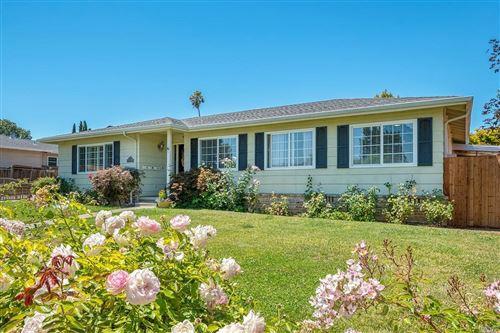 Photo of 32 Devonshire Drive, Novato, CA 94947 (MLS # 22017944)