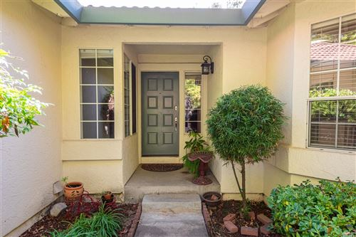 Photo of 236 La Quinta Drive, Windsor, CA 95492 (MLS # 22023973)