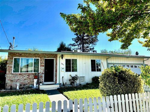 Photo of 3214 Piedmont Avenue, Napa, CA 94558 (MLS # 22024980)
