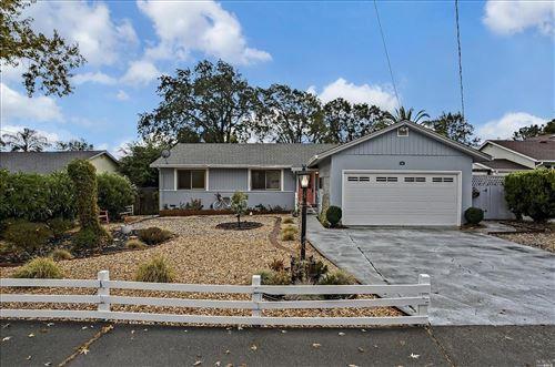 Photo of 49 Grande Vista, Novato, CA 94947 (MLS # 321101996)
