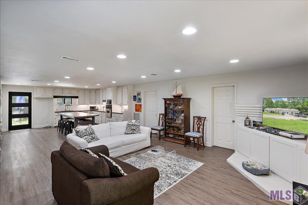15223 HOOPER RD, Greenwell Springs, LA 70739 - MLS#: 2021010229