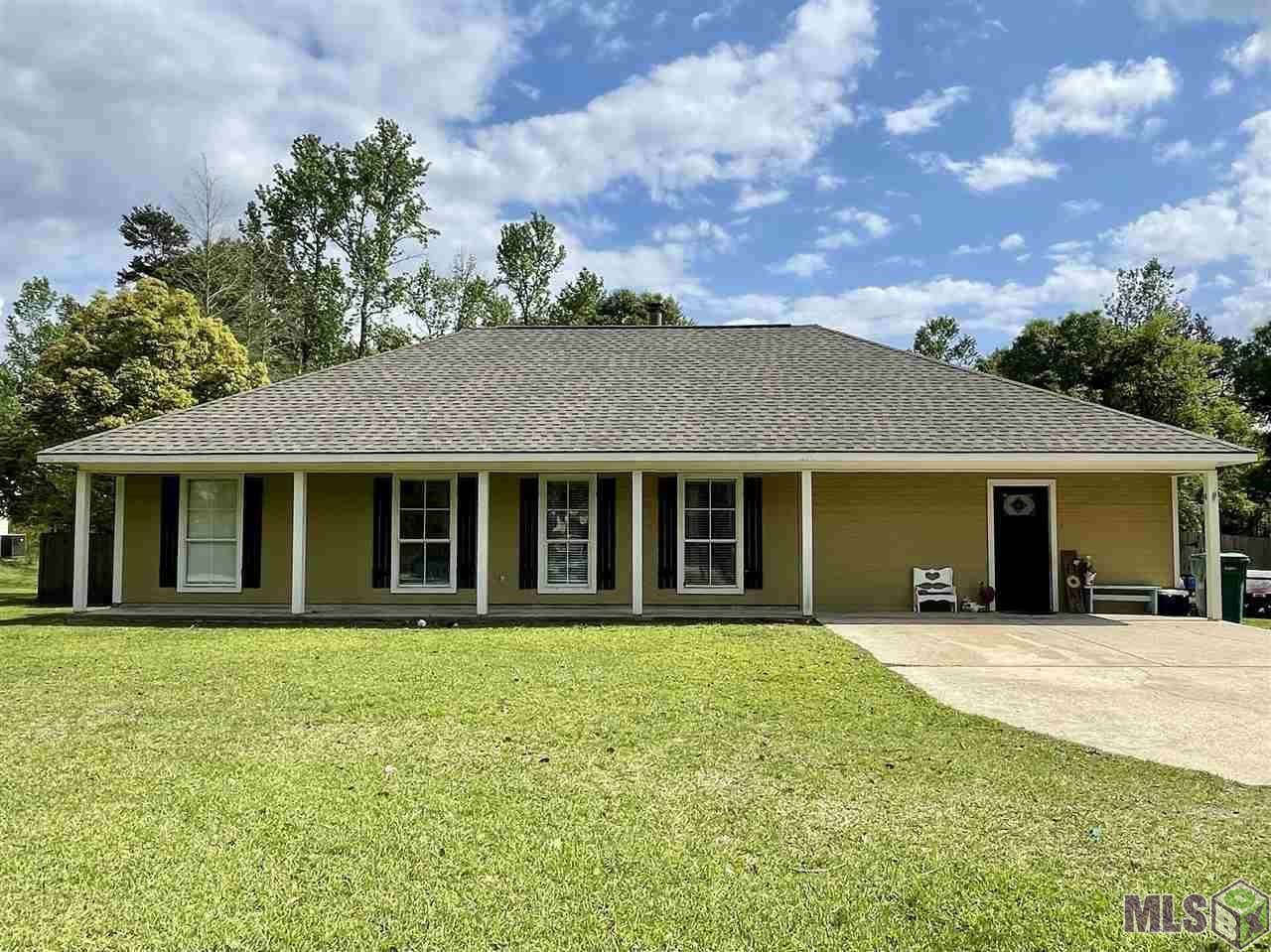 10926 CROSSOVER RD, Denham Springs, LA 70726 - MLS#: 2021005519