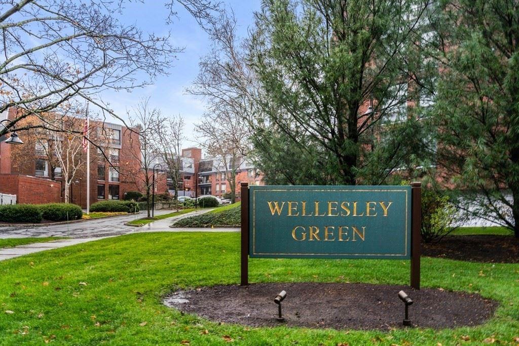 Photo of 65 Grove St #343, Wellesley, MA 02482 (MLS # 72761002)