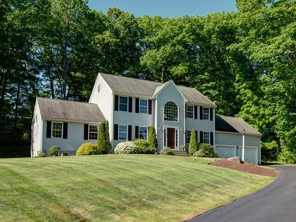 Photo for 9 Tobin Dr, Dudley, MA 01571 (MLS # 72669013)