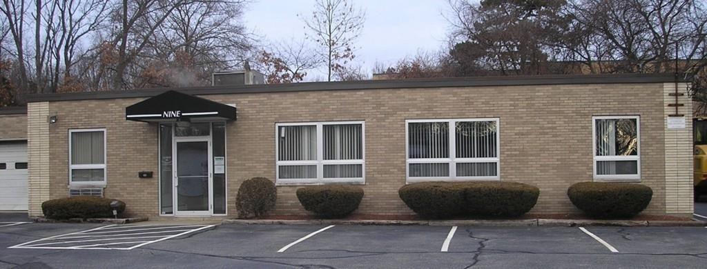 Photo for 9 Cypress Dr #Right, Burlington, MA 01803 (MLS # 72618019)