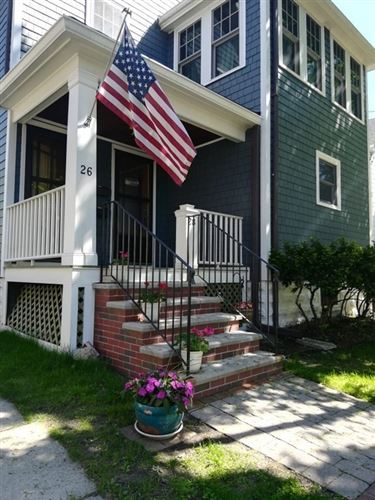 Photo of 28 Vincent Ave #1, Belmont, MA 02478 (MLS # 72828031)