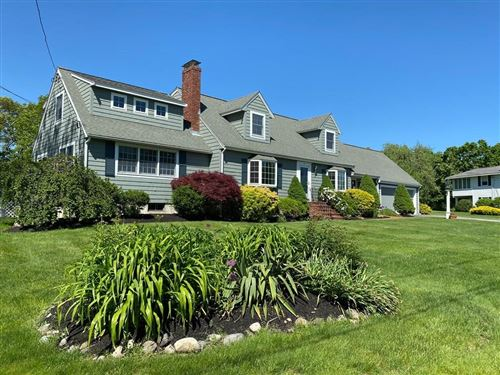 Photo of 15 Crestwood Dr, Andover, MA 01810 (MLS # 72664036)