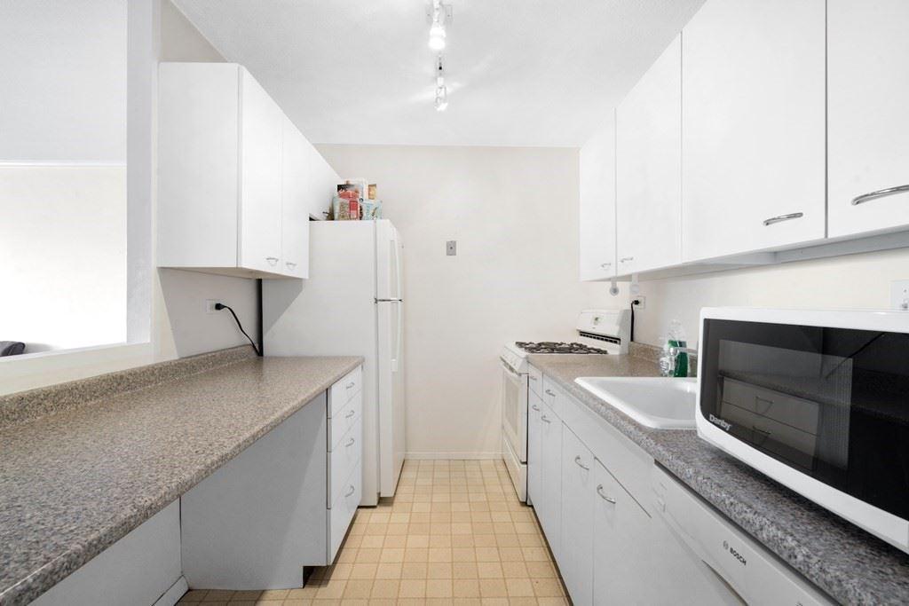 Photo of 9 Hawthorne Place #8J, Boston, MA 02114 (MLS # 72875056)