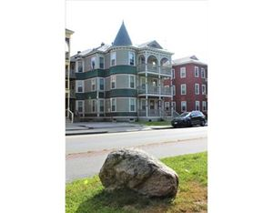 Photo of 142 Elm St #4, Worcester, MA 01609 (MLS # 72568088)