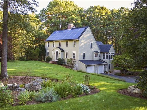 Photo of 5 Shannon Circle, Westford, MA 01886 (MLS # 72910102)