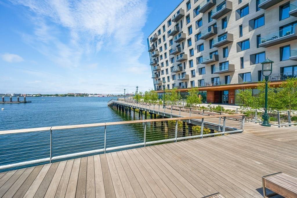 Photo of 300 Pier 4 Blvd #7R, Boston, MA 02210 (MLS # 72723115)